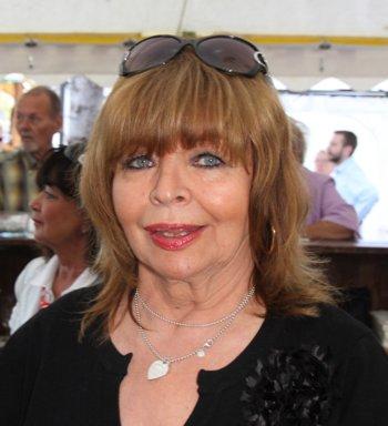 FEUERIO-Dame Gudrun Siegelmann