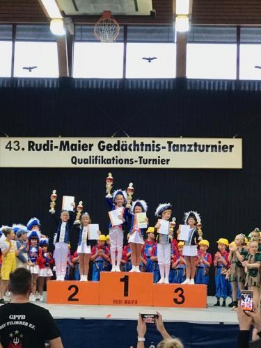 FEUERIO-Tanzgarde in Reilingen 2019 12